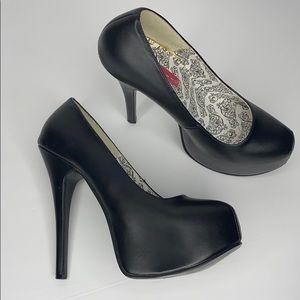 Women's stiletto pumps ( 8 )